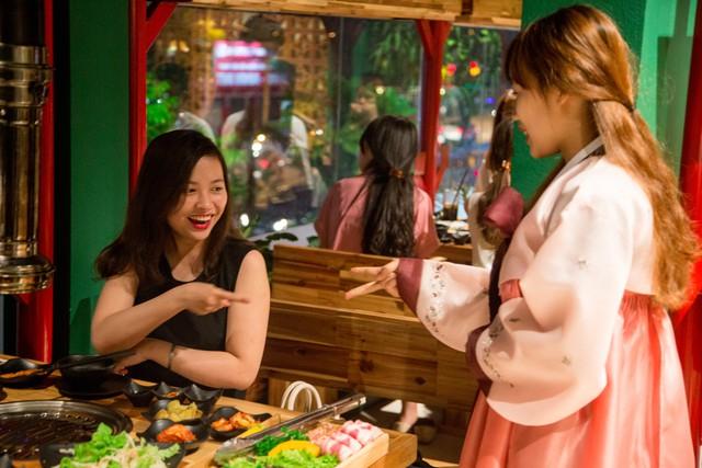 """img20170413172947951 - Quán nướng Hàn độc đáo đang """"hút"""" giới trẻ tại Hà Nội"""