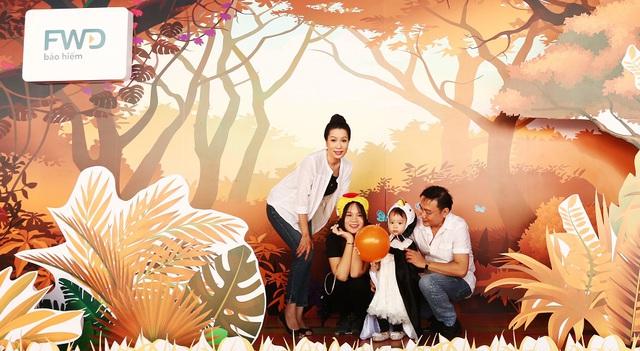 Gia đình Hoa hậu Diễm Hương,Trịnh Kim Chi và Phạm Anh Khoa cùng thám hiểm rạp chiếu phim hình vòm - Ảnh 8.