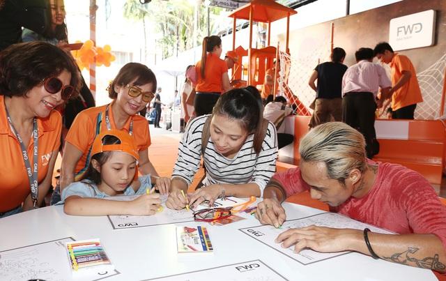 Gia đình Hoa hậu Diễm Hương,Trịnh Kim Chi và Phạm Anh Khoa cùng thám hiểm rạp chiếu phim hình vòm - Ảnh 10.