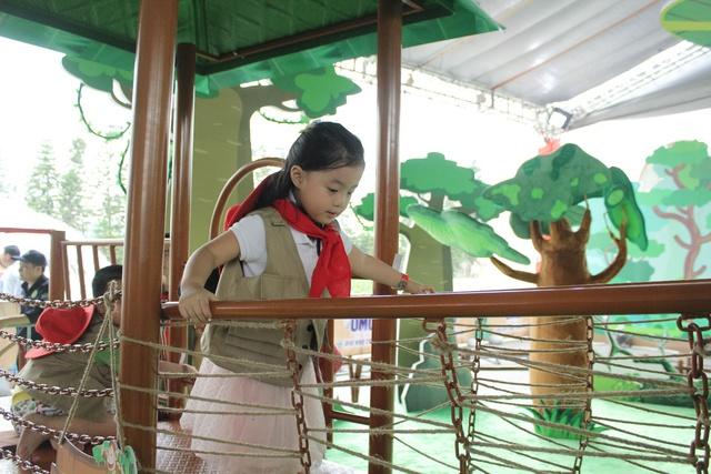 """Muốn """"thả"""" con ra thế giới nhưng không an tâm? Hãy học theo MC Minh Trang, Vân Hugo! - Ảnh 3."""
