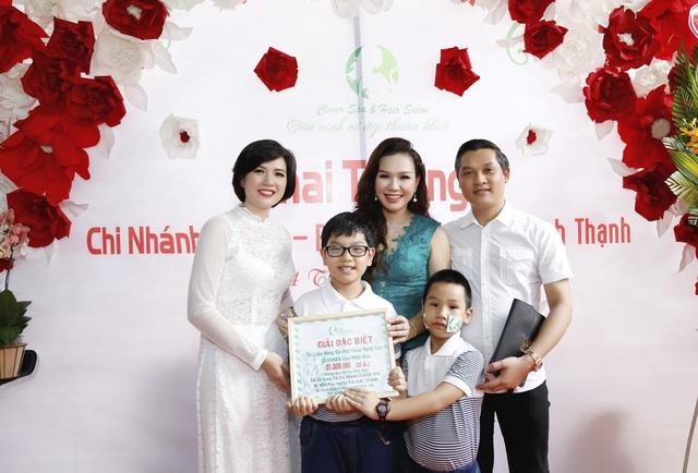 MC Xuân Hiếu chia sẻ bí quyết làm đẹp - Ảnh 2.