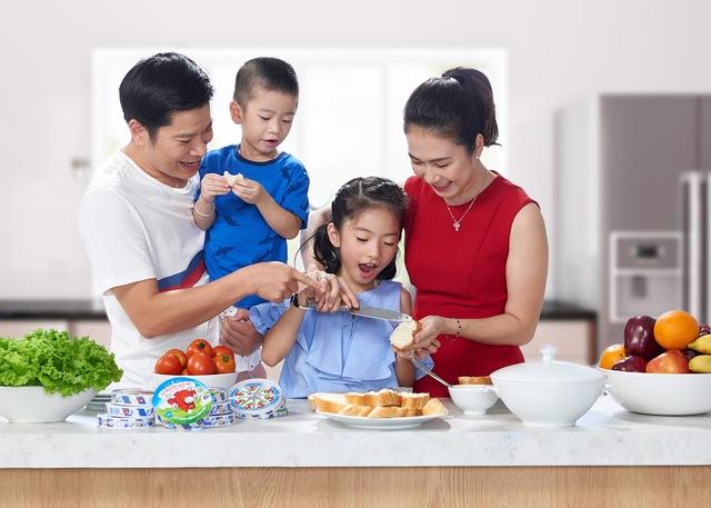 MC Thanh Thảo bật mí món ăn giúp bé tận hưởng trọn vẹn niềm vui gia đình - Ảnh 1.
