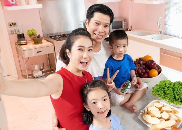 MC Thanh Thảo bật mí món ăn giúp bé tận hưởng trọn vẹn niềm vui gia đình - Ảnh 2.