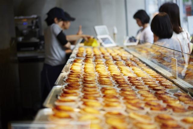 Tín đồ sành ăn đã có thể thưởng thức bánh BAKE Cheese Tart thần thánh của Nhật tại Sài Gòn - Ảnh 4.