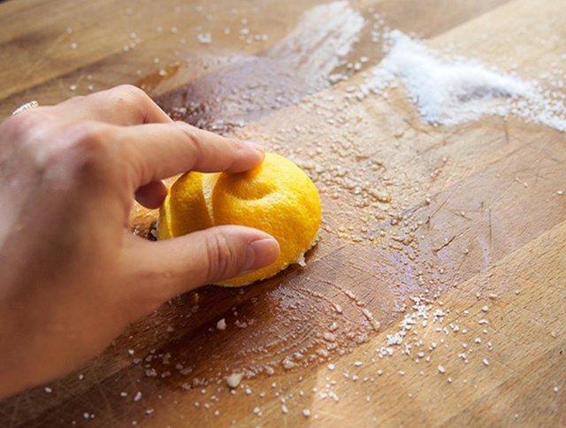 3 cách tẩy sạch vết bẩn trong nhà bếp bà nội trợ không thể bỏ qua - Ảnh 2.