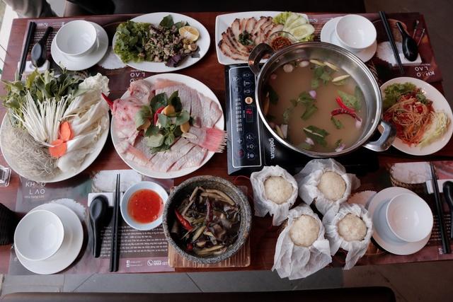 Thưởng thức lẩu cá nghịch nước hấp dẫn chỉ 0đ tạo Khao Lao – Nhà hàng Lào - Ảnh 1.
