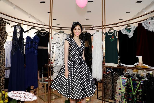 MC Phan Anh, HH Mỹ Linh dự lễ ra mắt trung tâm thời trang làm đẹp độc đáo của HH Kim Nguyễn - Ảnh 2.