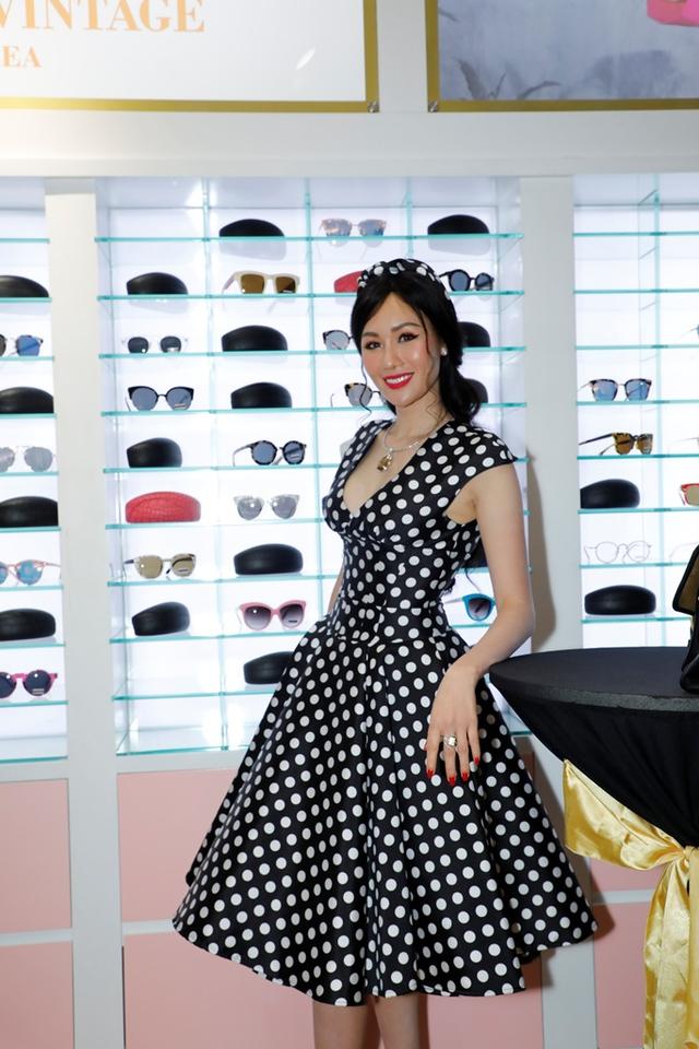 MC Phan Anh, HH Mỹ Linh dự lễ ra mắt trung tâm thời trang làm đẹp độc đáo của HH Kim Nguyễn - Ảnh 3.