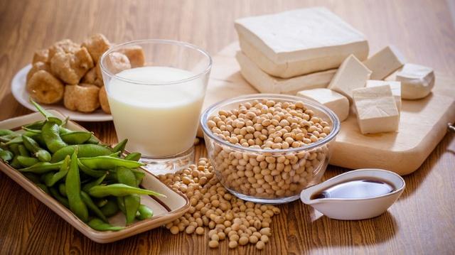 Sữa đậu nành: Nguồn dinh dưỡng lành cho trẻ lấy đà phát triển toàn diện - Ảnh 1.