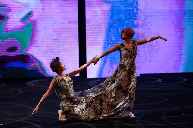 """Allilon London làm """"Lay động"""" cả khán phòng Davines Hair Show 2017 - Ảnh 2."""