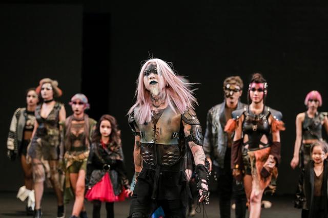 """Allilon London làm """"Lay động"""" cả khán phòng Davines Hair Show 2017 - Ảnh 3."""