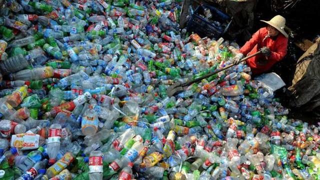 Dùng đồ nhựa mỗi ngày, bạn hiểu đến đâu về khái niệm nhựa tái sinh và nguyên sinh - Ảnh 1.