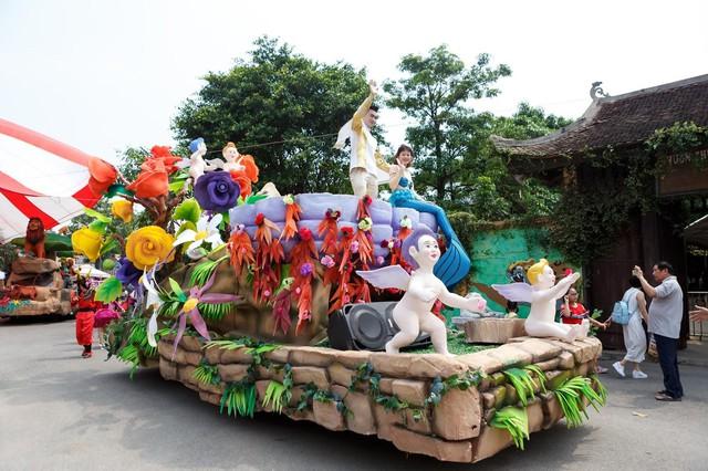Choáng ngợp với lễ hội hòa âm ánh sáng tại Hà Nội - Ảnh 10.