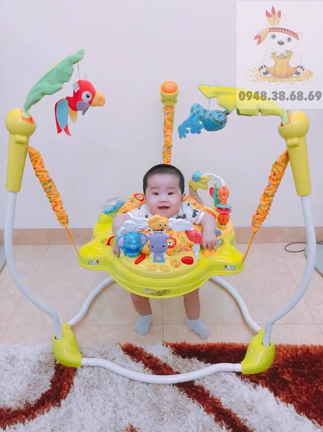 Ghế nhún nhảy tập đứng có lợi ích gì đối với sự phát triển thể chất của trẻ? - Ảnh 1.