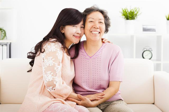 Nhân dịp ngày của mẹ, hãy bày tỏ lòng tri ân đến mẹ khi còn có thể - Ảnh 1.