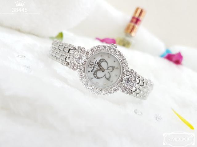 Nâng tầm set đồ công sở với đồng hồ thời trang - Ảnh 2.