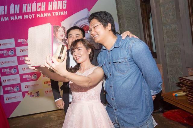 Chàng trai mang giày Việt đến gần người tiêu dùng bằng kinh doanh online - Ảnh 1.