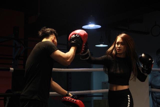 Quên các bài tâp gym đi, muốn eo thon sau 10 buổi tập- nàng nhất định phải biết Kickfit - Ảnh 2.