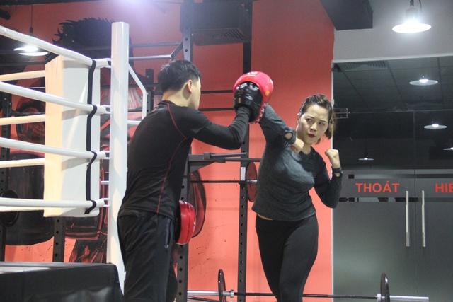 Quên các bài tâp gym đi, muốn eo thon sau 10 buổi tập- nàng nhất định phải biết Kickfit - Ảnh 3.