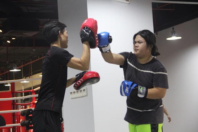 Quên các bài tâp gym đi, muốn eo thon sau 10 buổi tập- nàng nhất định phải biết Kickfit - Ảnh 4.