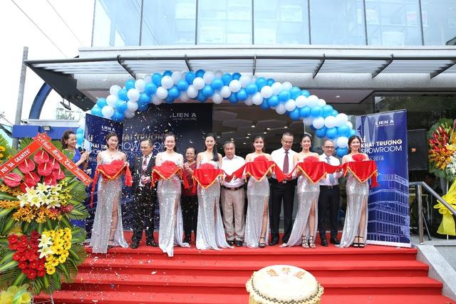 Liên Á ra mắt showroom lớn nhất tại trung tâm thành phố Hồ Chí Minh - Ảnh 2.