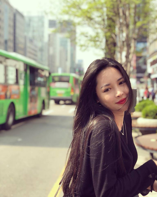 """Hot girl phẫu thuật thẩm mỹ Vũ Thanh Quỳnh khoe nhan sắc xinh đẹp và trẻ trung sau 3 năm """"đập đi xây lại"""" - Ảnh 9."""