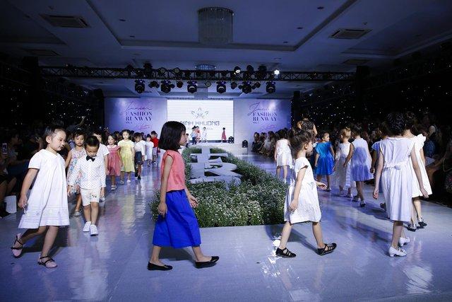 Junior Fashion Runway Vol. 2 thổi làn gió mới vào thời trang mùa hè 2018 - Ảnh 3.