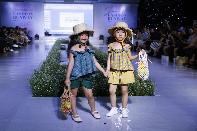 Junior Fashion Runway Vol. 2 thổi làn gió mới vào thời trang mùa hè 2018 - Ảnh 5.