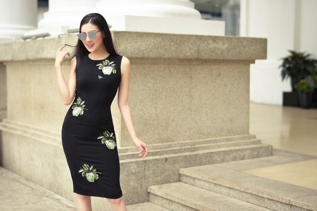 Á hậu Dương Tú Anh thanh lịch và quyến rũ trong BST mùa hè của NTK Helene Hoài - Ảnh 8.