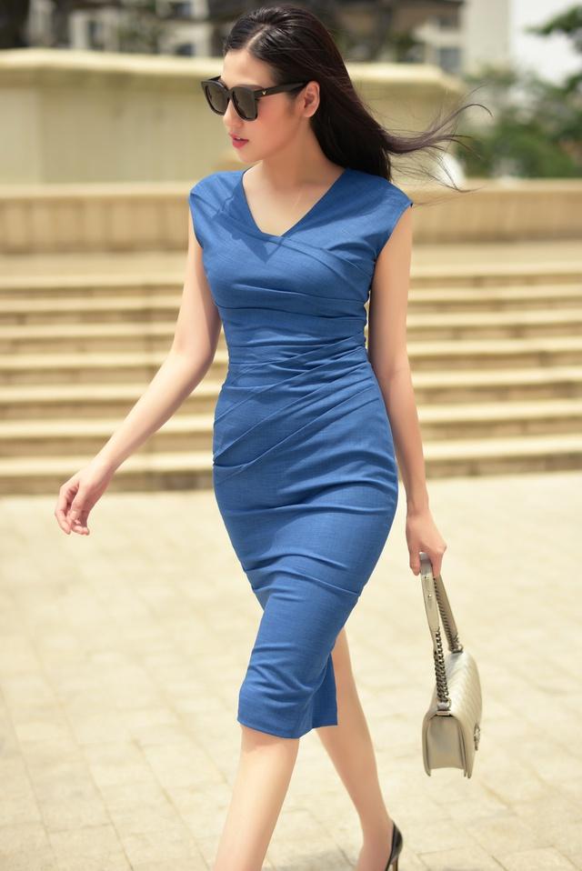 Á hậu Dương Tú Anh thanh lịch và quyến rũ trong BST mùa hè của NTK Helene Hoài - Ảnh 10.