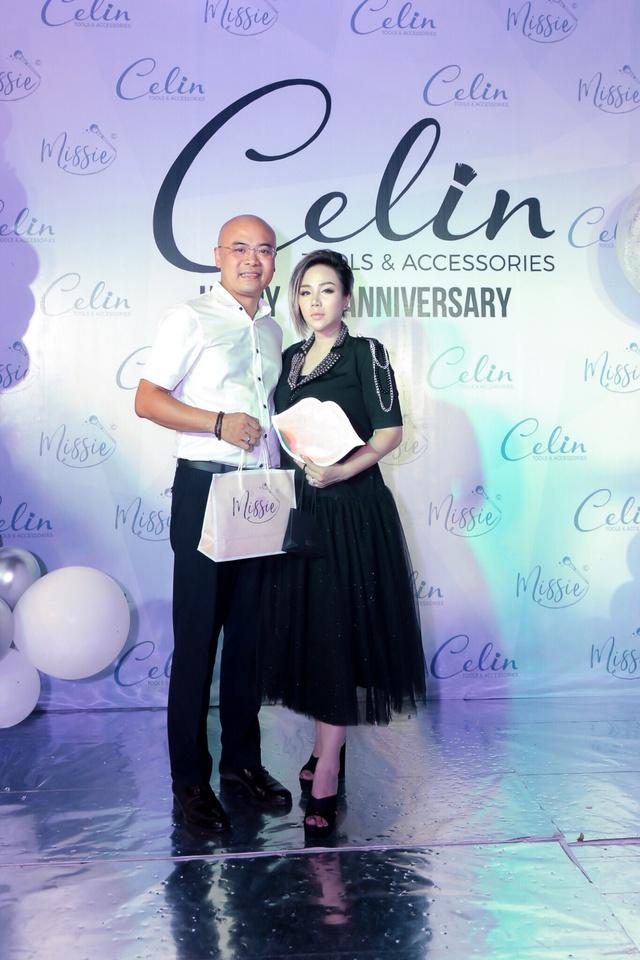 Celin ra mắt bộ dụng cụ trang điểm khiến chị em yêu ngay từ cái nhìn đầu tiên - Ảnh 4.