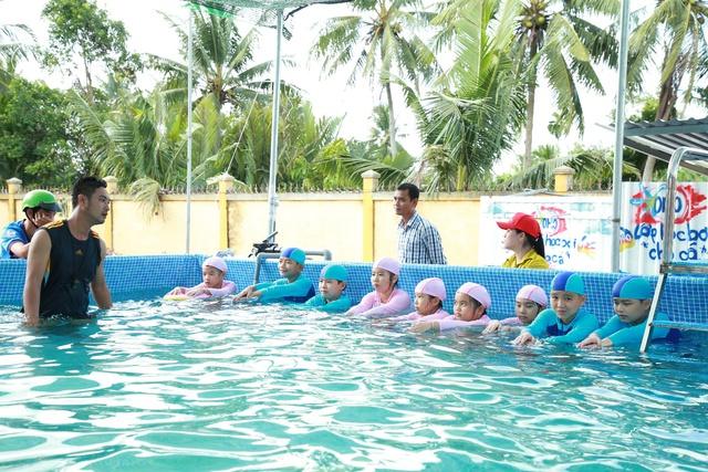 """Khánh thành """"Lớp học bơi cho cá"""" đầu tiên tại Vĩnh Long - Ảnh 6."""