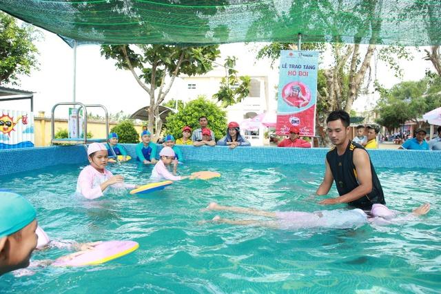 """Khánh thành """"Lớp học bơi cho cá"""" đầu tiên tại Vĩnh Long - Ảnh 7."""