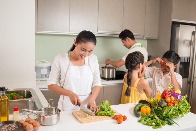 Đọc xong bạn sẽ giật mình vì những điều không bao giờ nghĩ đến về bữa cơm nhà - Ảnh 4.