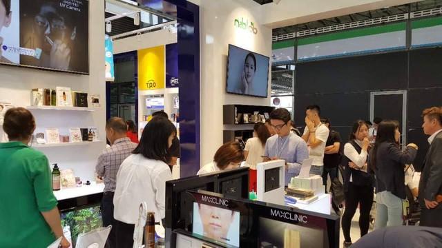 Maxclinic mỹ phẩm dưỡng da tại nhà hàng đầu Hàn Quốc - Ảnh 1.