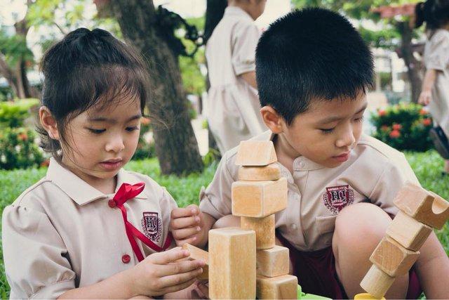 Phương pháp Montessori và những điều ba mẹ cần biết về giáo dục tiên tiến - Ảnh 2.