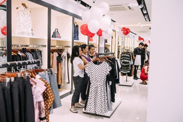 Những set đồ công sở đẹp mê ly cho nàng sành điệu đón thu 2018 tại cửa hàng Pantio đầu tiên ở Sài Gòn - Ảnh 3.