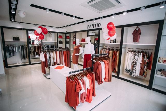 Những set đồ công sở đẹp mê ly cho nàng sành điệu đón thu 2018 tại cửa hàng Pantio đầu tiên ở Sài Gòn - Ảnh 4.
