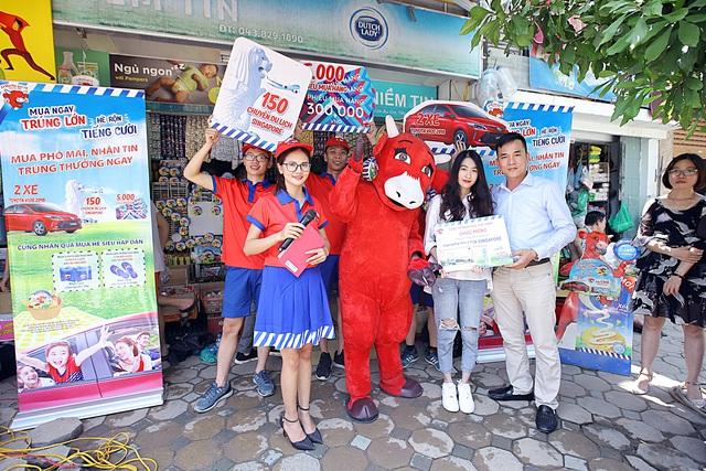 """Đường phố Hà Nội """" náo nhiệt """" với hàng trăm chuyến du lịch Singapore hấp dẫn từ Con Bò Cười - Ảnh 4."""