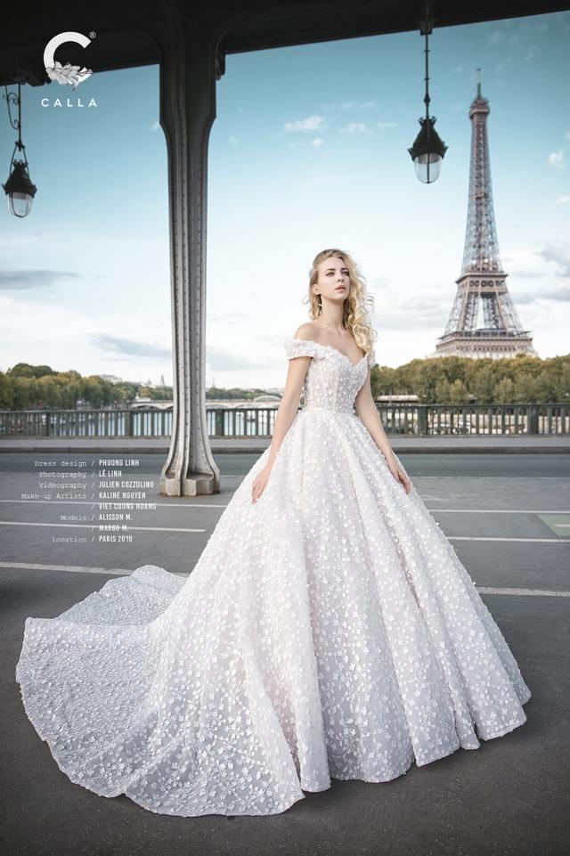 """""""Váy cưới trong mơ"""" Calla của NTK Phương Linh khoe sắc tại Paris hoa lệ - Ảnh 8."""