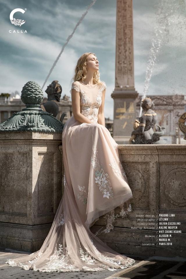 """""""Váy cưới trong mơ"""" Calla của NTK Phương Linh khoe sắc tại Paris hoa lệ - Ảnh 10."""