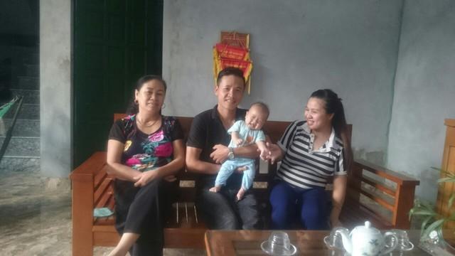 Hạnh phúc làm cha mẹ sau 4 năm hiếm muộn - Ảnh 2.