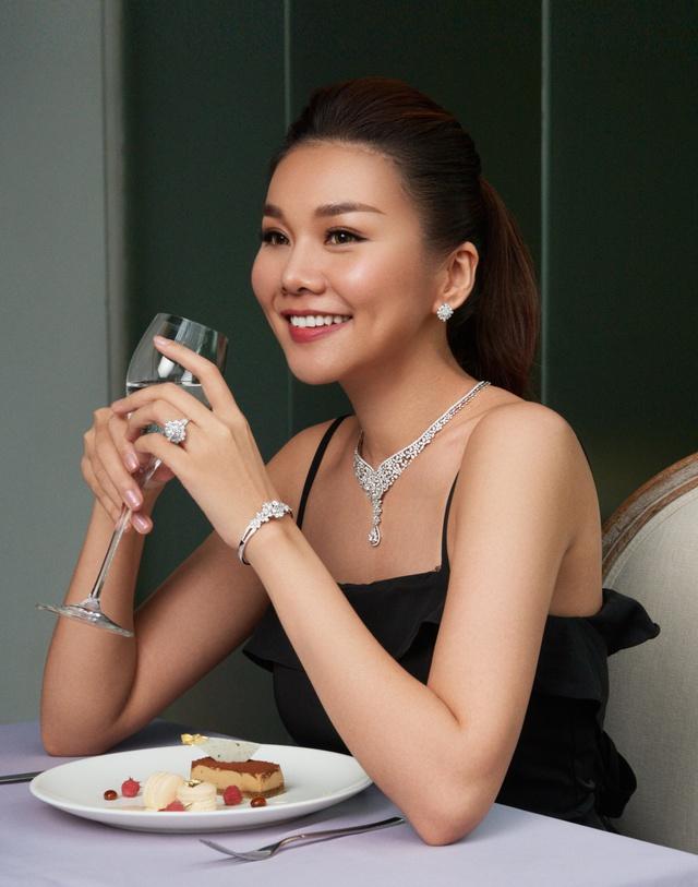 Diện kim cương như Thanh Hằng: Đẳng cấp lại không mang tiếng khoe mẽ - Ảnh 4.