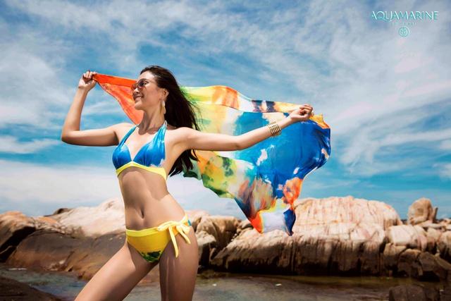 Aquamarine vào hè đâu chỉ đơn giản là áo tắm - Ảnh 1.