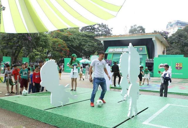 Ngoài thể chất, con trẻ còn rèn luyện được5 phẩm chấtcần thiếtnhờ tập bóng đá - Ảnh 3.
