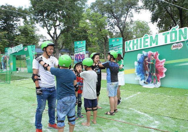 Ngoài thể chất, con trẻ còn rèn luyện được5 phẩm chấtcần thiếtnhờ tập bóng đá - Ảnh 5.