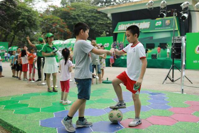Ngoài thể chất, con trẻ còn rèn luyện được5 phẩm chấtcần thiếtnhờ tập bóng đá - Ảnh 7.