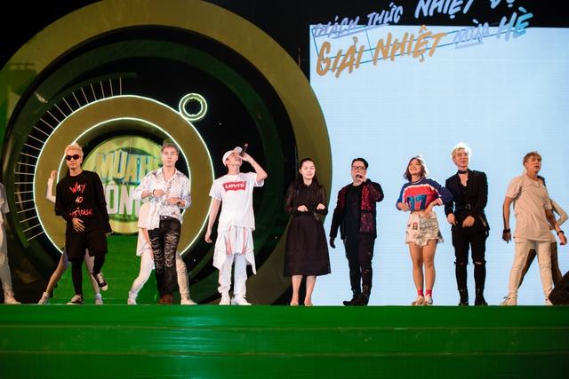 """Sơn Tùng M-TP, Hồ Ngọc Hà cùng dàn ca sĩ hot """"phá đảo"""" sân khấu mùa hè bằng loạt hit - Ảnh 11."""