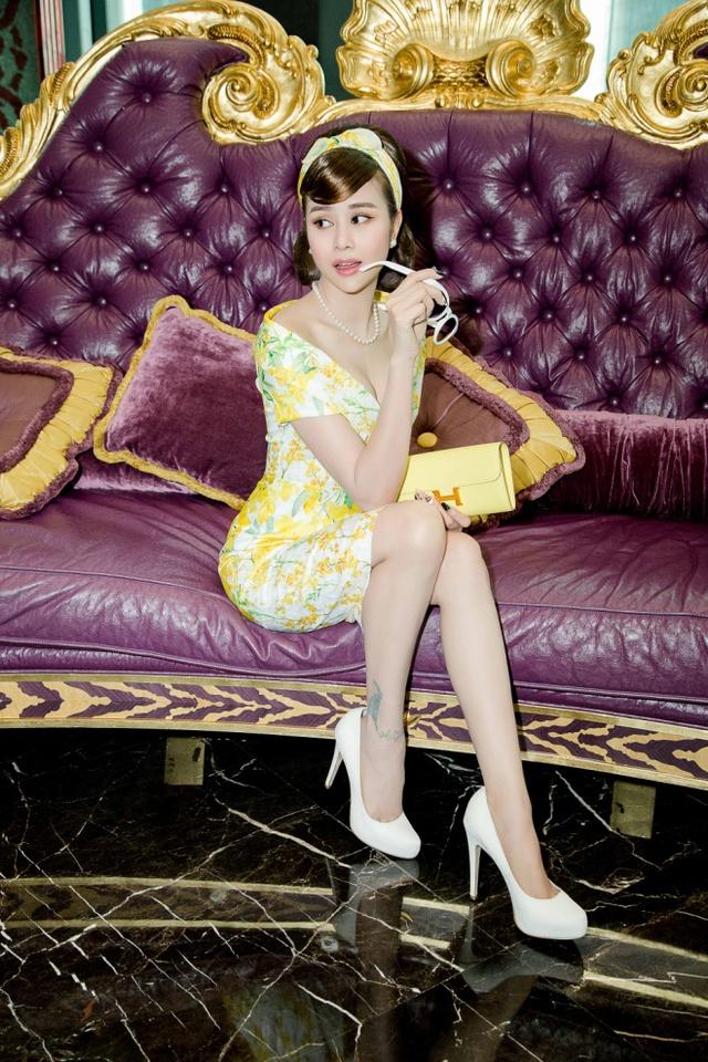 Hoa hậu Sella Trương cùng dàn sao việt dự show của NTK Adrian Anh Tuấn - Ảnh 1.