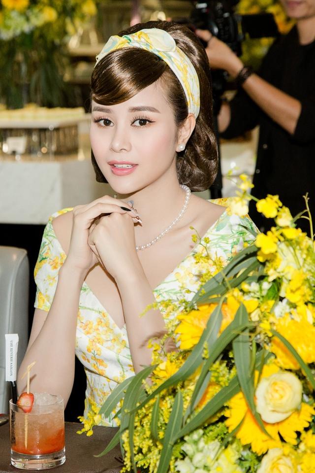 Hoa hậu Sella Trương cùng dàn sao việt dự show của NTK Adrian Anh Tuấn - Ảnh 9.